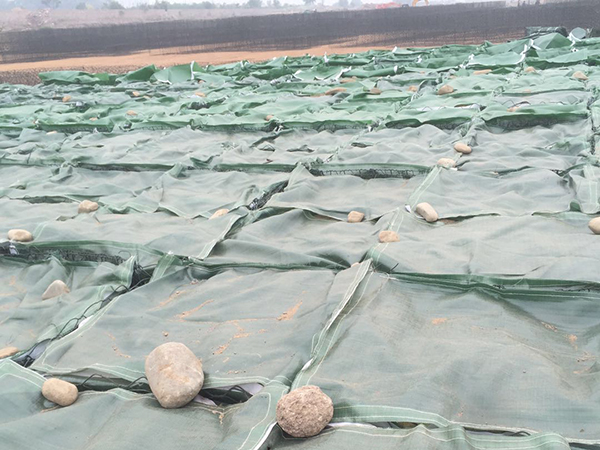 PET土工石笼袋施工工艺安装方法